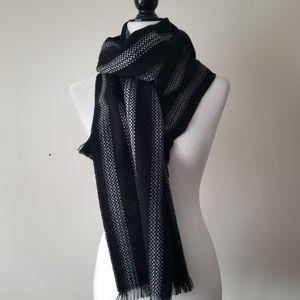 Danier scarf black striped sz OS
